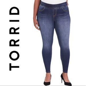 Torrid Feel the Fit Lean Jeans - Super Stretch Medium Wash Women's Jeggings